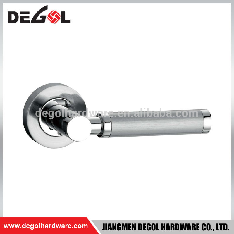 Zinc Alloy and ZAMAC Door Handle For Wooden door